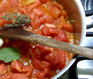 Concassee de tomates ail laurier sauce