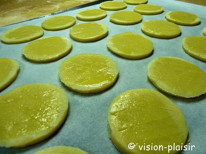Confection des galettes bretonnes