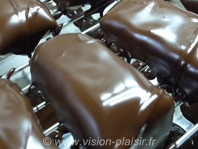 Coulage du chocolat noir