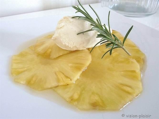 gaspacho-d-ananas-au-senteur-de-romarin-1