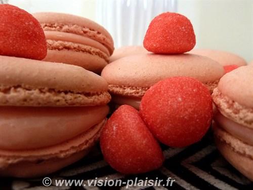 Macarons fraises tagada le bonbon 1