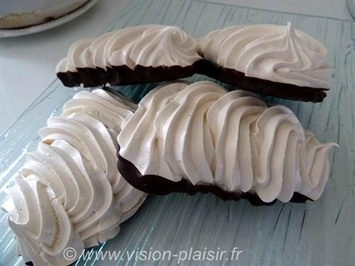 Meringue a la vanille et chocolat noir