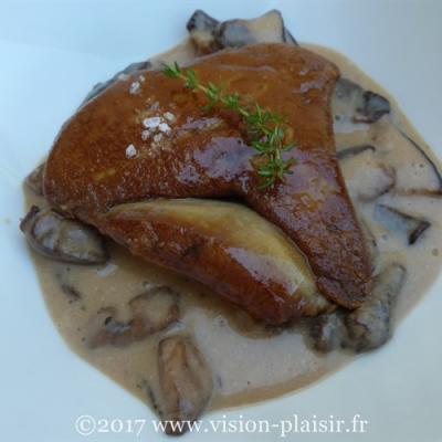 Cassolette de foie gras et cèpes