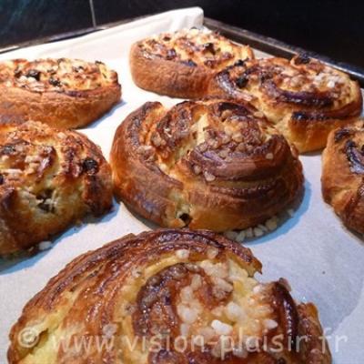 pain-raisin-croissants