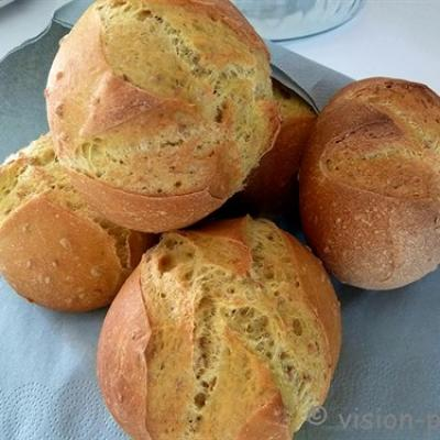 Petits pains sesames et curcuma