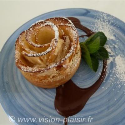 Roses deuilletees aux pommes noix de coco et chocolat