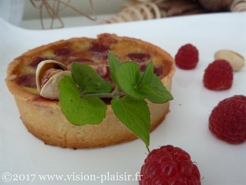 Tartelettes a la pistache et aux framboises